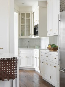 Kitchen-Hardware.-Kitchen-with-brass-hardware.-Kitchen-Cabinet-Hardware.-Kitchen-KitchenHardware-KitchenCabinetHardware-