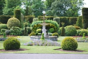 brodsworth-formal-garden-via-tripadvisor